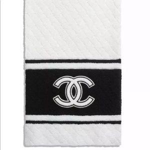 Chanel Logo Cashmere scarf Black White